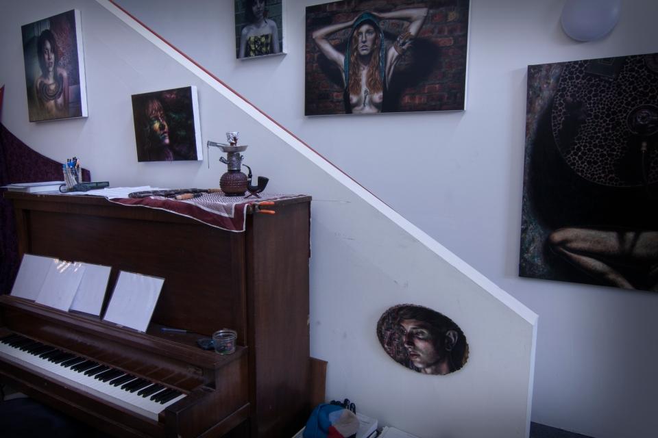 studio w piano